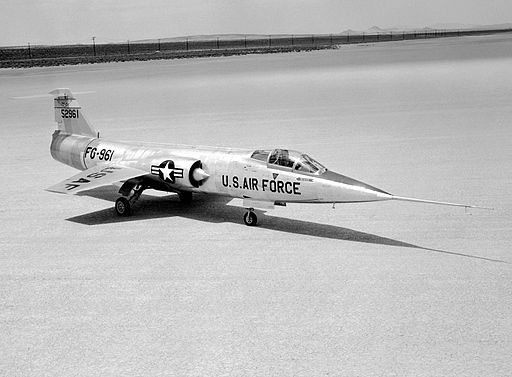 F-104RogersDryLakeEdwardsAFB1957