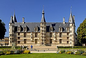 mobil home proche Le Palais ducal de Nevers