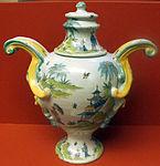 Faenza, ferniani, vaso con decoro alla pagoda, 1750-1790 ca..JPG