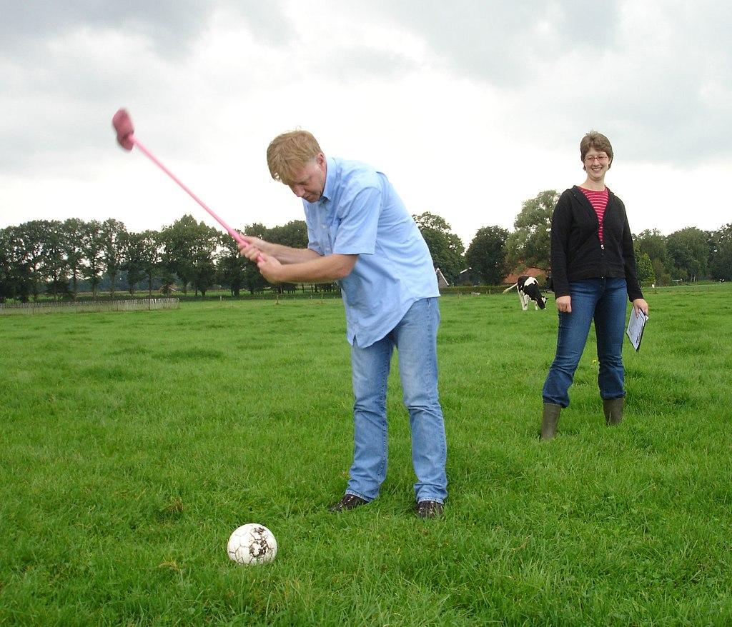 Farmer's Golf action