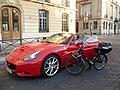 Ferrari et VéloSolex Paris P1010089.jpg