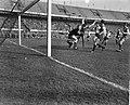Feyenoord tegen Elinkwijk 3-1, vlnr Moulijn, Volder (doelman Elinkwijk), Mij, Bestanddeelnr 912-1152.jpg