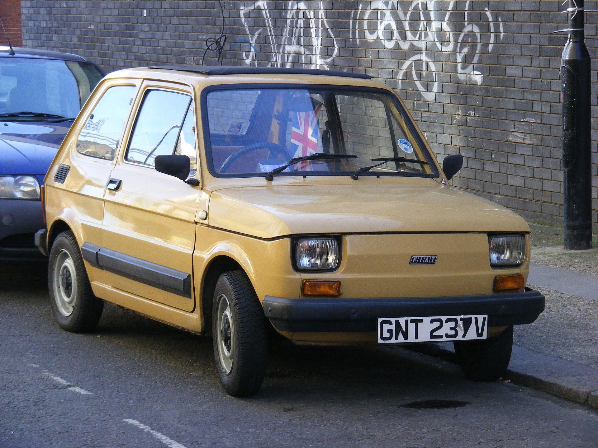 Fiat 126 moreover 2cv Soleil Serie Speciale Imaginaire as well Bakflip G2 Sierra additionally Garage Vary Reife Golf Mk5 Rear Spoiler likewise Photo. on fiat 500 series