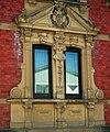 Flein Ilsfelder Str. 72 Ehemaliges Wohnhaus des Bildhauers Friedrich Göttle im Stil der Neorenaissance (1892) Detail Fenster 2.JPG