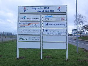 Flughafen Kiel Schild.jpg