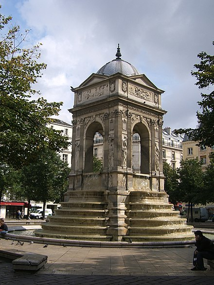 Fontaine des Innocents.
