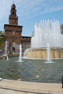 La Torre del Filarete, all'entrata principale del Castello Sforzesco di Milano