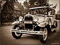 Ford V8 - 4 (5582050990).jpg