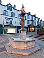 Fountain and statue of Llewelyn ap Iowerth, Conwy 4.jpg