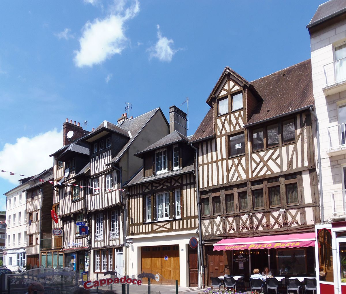 116 2: Maisons Des 112, 116 Et 118 Rue Henri-Chéron à Lisieux