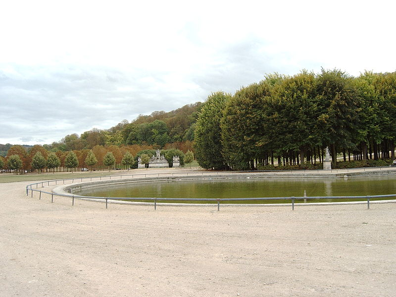 File:France crowning Art and Industry, 2009-09-03 048.JPG