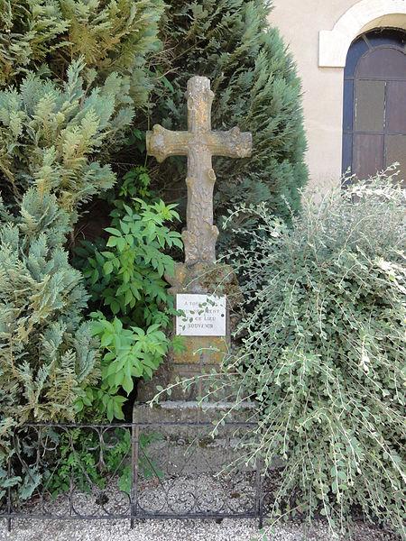 Fromezey (Meuse) croix souvenir cimetière