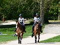 Gardiens du parc de Sceaux à cheval.JPG