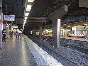 Val de Fontenay Station - Image: Gare RER A de Val de Fontenay 2012 06 29 IMG 3010