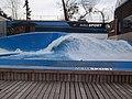 Generador de olas artificiales en Mall Sport, Santiago de Chile.jpg