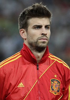 Gerard Piqué Euro 2012 vs France 01.jpg
