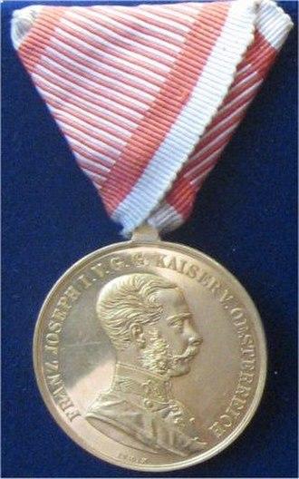Medal for Bravery (Austria-Hungary) - Golden Medal for Bravery, 1866 to 1917 version