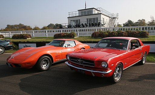 Goodwood Breakfast Club - Chevrolet Corvette Coupe and Ford Mustang - Flickr - exfordy (1)