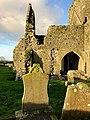 Graveyard, Hore Abbey, Caiseal, Éire - 46533660942.jpg