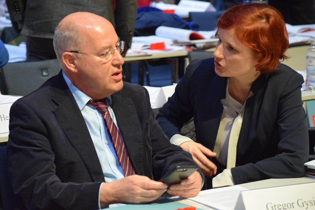 Gregor Gysi und Katja Kipping. Parteitag in Bonn, 2019.jpg