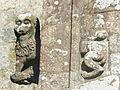 Guerlesquin 14 Eglise Saint-Ténénan sculpture extérieure 1.jpg