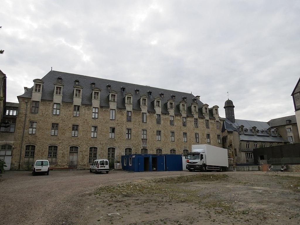 Hôtel-Dieu - Bayeux 6.JPG