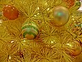 HK 觀塘 Kwun Tong 創紀之城五期 APM mall Xmas tree close-up n balls Dec-2013.JPG