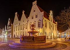 Haltern am See, Marktbrunnen und historisches Rathaus -- 2016 -- 1307-13.jpg