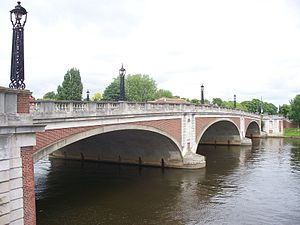 Hampton Court Bridge (1933–heute)