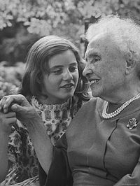 Duke with Helen Keller, whom she portrayed in both the play and the film The Miracle Worker (1962).