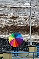 Hohe Atlantikwellen brechen sich am Strand von Santa Cruz (Madeira). 07.jpg