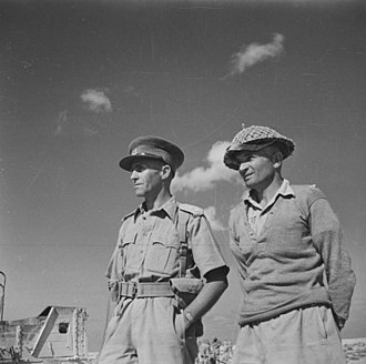 20th Battalion (New Zealand) - Lieutenant Colonel Howard Karl Kippenberger (left), who was the commanding officer of the 20th Battalion from its formation until late 1941, with Lieutenant Charles Hazlitt Upham, Egypt, October/November 1941