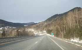 L'Interstate 89 direction nord dans la partie la plus au sud de sa section dans le Vermont.