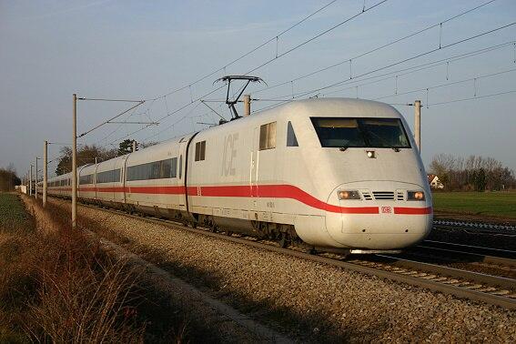 ICE 1 in Augsburg-Hochzoll