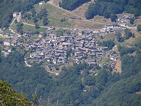 Indemini vom Monte Tamaro aus gesehen.