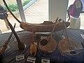 Instruments de musique traditionnelle au Musée BOUBOU HAMA de Niamey.jpg