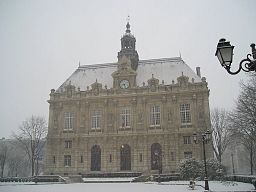 Ivry-sur-Seine town hall under snow 2005-02-23.jpeg