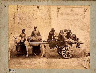 Jean Pascal Sébah - Image: Jean Pascal Sebah n. 483 Charette des femmes arabes