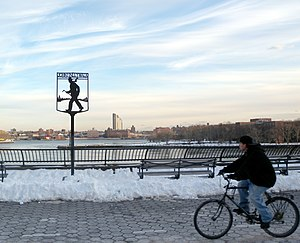 East River Greenway - John Finley Walk in the park, a promenade named after John Huston Finley, is also for bicycles