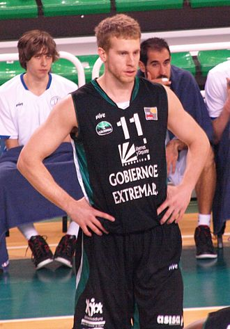 Josh Duinker - Duinker playing for Cáceres in 2013