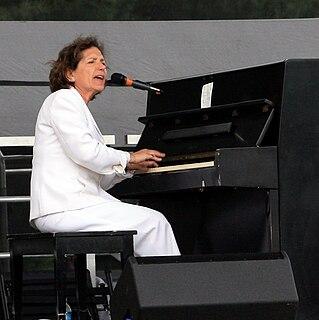 Julie Gold American musician