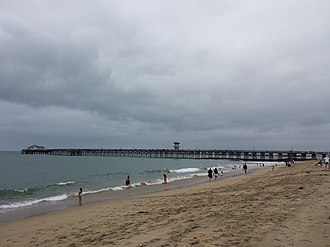 Climate of Los Angeles - Typical June Gloom conditions in late morning at Seal Beach, June 2013.