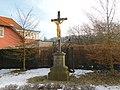Kříž v Berounské ulici v Lánech (Q107162798).jpg