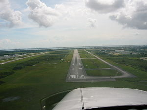 Orlando Melbourne International Airport - Runway 9R