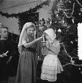Kerstviering Soestdijk, o.a. Kerstspel Van Overal naar Bethlehemstal wazig, Bestanddeelnr 906-9139.jpg
