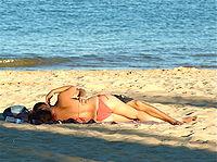 Kiss on the beach - Cascais, Portugal.jpg