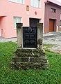 Kostelec u Holešova, pomník zakladatelům občanské záložny.jpg