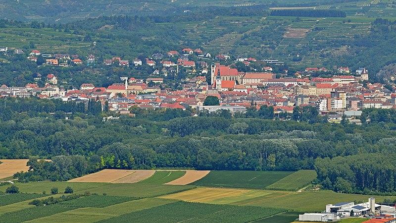 File:Krems an der Donau - Ortsansicht.jpg