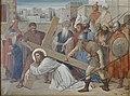 Kruisweg Sint-Clemenskerk, Nuenen, statie 03, Jesus valt voor de eerste maal onder het kruis.jpg