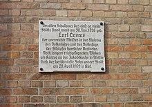 Gedenktafel in Loewes Geburtsort Löbejün (Quelle: Wikimedia)